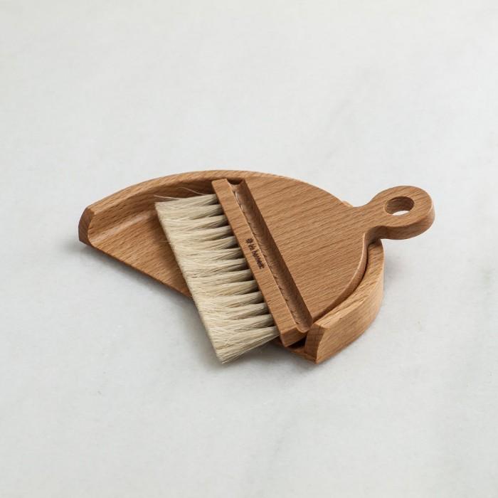 Juego de cepillo y recogedor de mesa Iris Hantverk