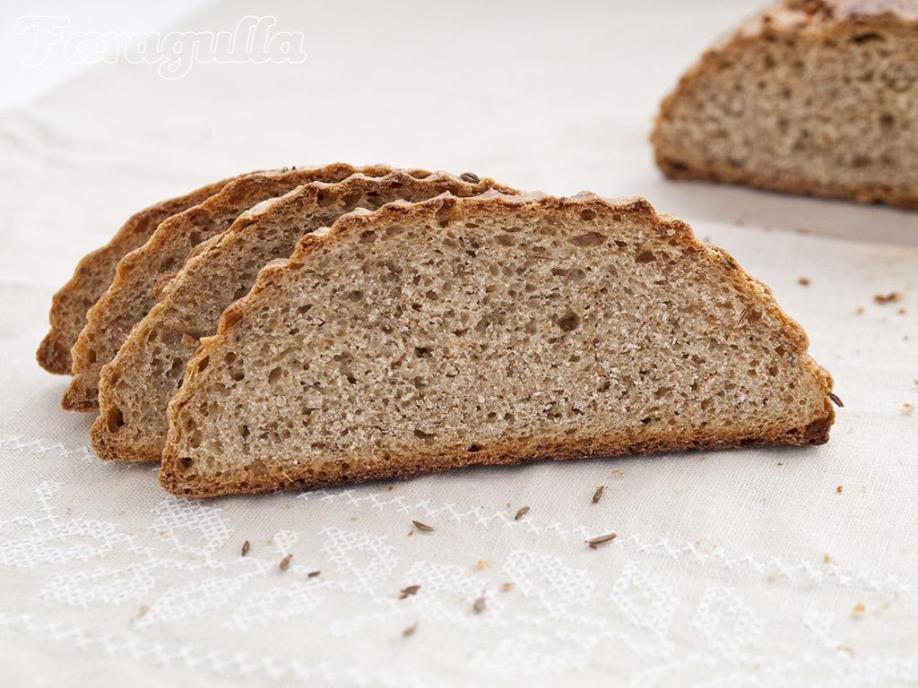 Pan de centeno estilo NY Deli · Faragulla