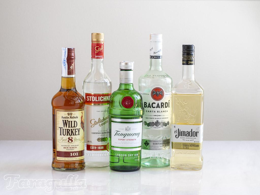 Las 10 botellas con las que empezar tu bar en casa, licores principales