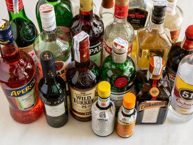 Las 10 botellas con las que empezar tu bar en casa
