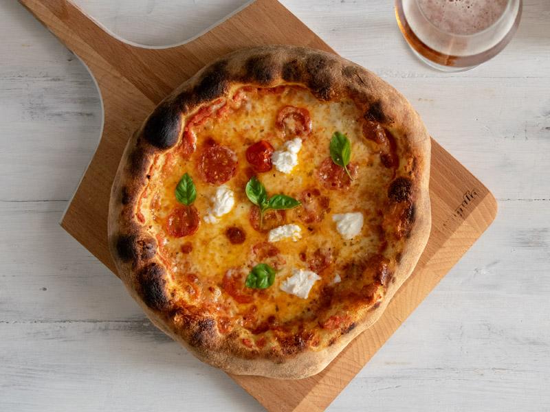 Masa de pizza casera, receta fácil y rápida