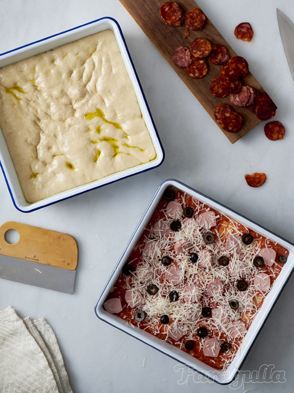 Masa de pizza estilo siciliano o pizza en bandeja